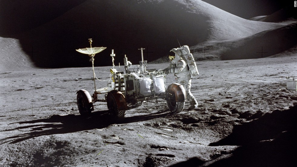 140805110122-irwin-lunar-rover-apollo-15-moon-horizontal-large-gallery