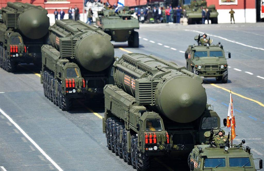 150804-russia-victory-day-missiles-1149a_d7fe8f2e453e3ce9bec99f04fbdd38e8.nbcnews-ux-2880-1000