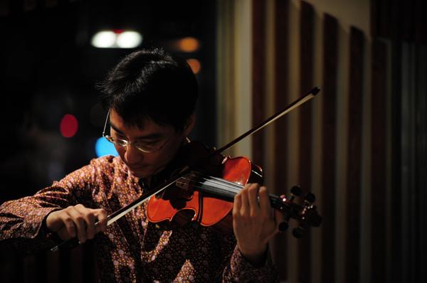 小提琴巨星薛志璋‧風采耀眼