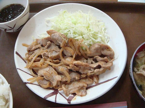 薑汁炒豬肉定食近照