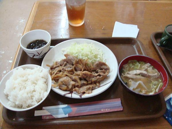 薑汁炒豬肉定食