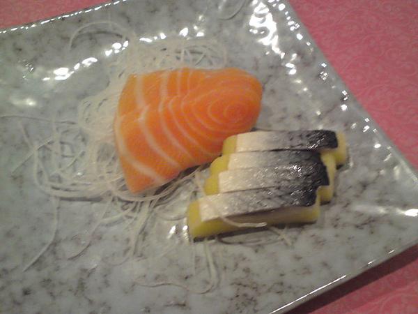 生魚片..很新鮮很好吃