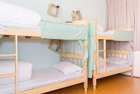 Lis Hostel微光百合人文旅居-10人女生房.jpeg