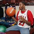 Kobe穿得起公牛隊23號的球衣嗎?