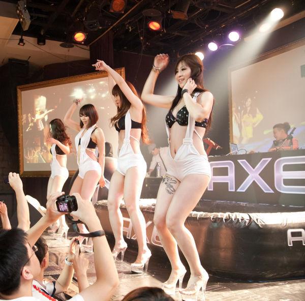 AXE 瘋狂果凍摔角052.jpg