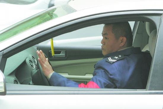 世界最擠停車場  管理員