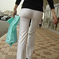 白褲下的內褲痕 013
