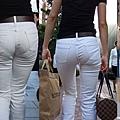 白褲下的內褲痕 016