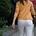 白褲下的內褲痕 021