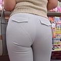白褲下的內褲痕 027