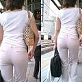 白褲下的內褲痕 031