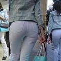 白褲下的內褲痕 041