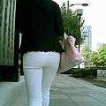 白褲下的內褲痕 044