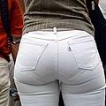 白褲下的內褲痕 047