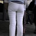 白褲下的內褲痕 045