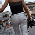 白褲下的內褲痕 050