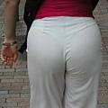白褲下的內褲痕 060