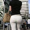 白褲下的內褲痕 065