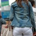 白褲下的內褲痕 063