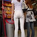 白褲下的內褲痕 064