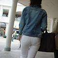 白褲下的內褲痕 066