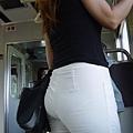 白褲下的內褲痕 071