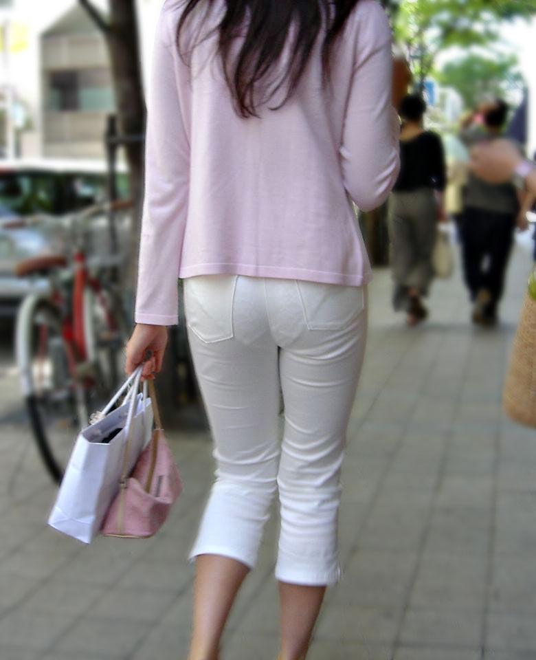 白褲下的內褲痕 083