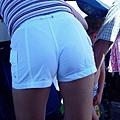 白褲下的內褲痕 080