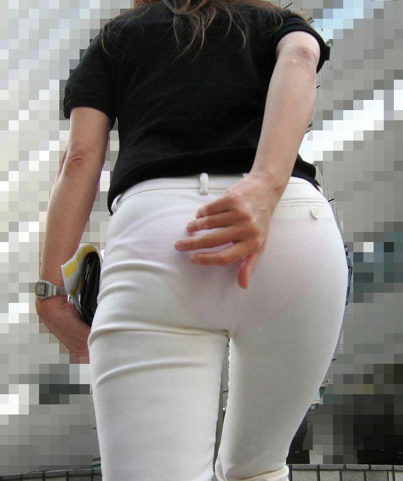 白褲下的內褲痕 090