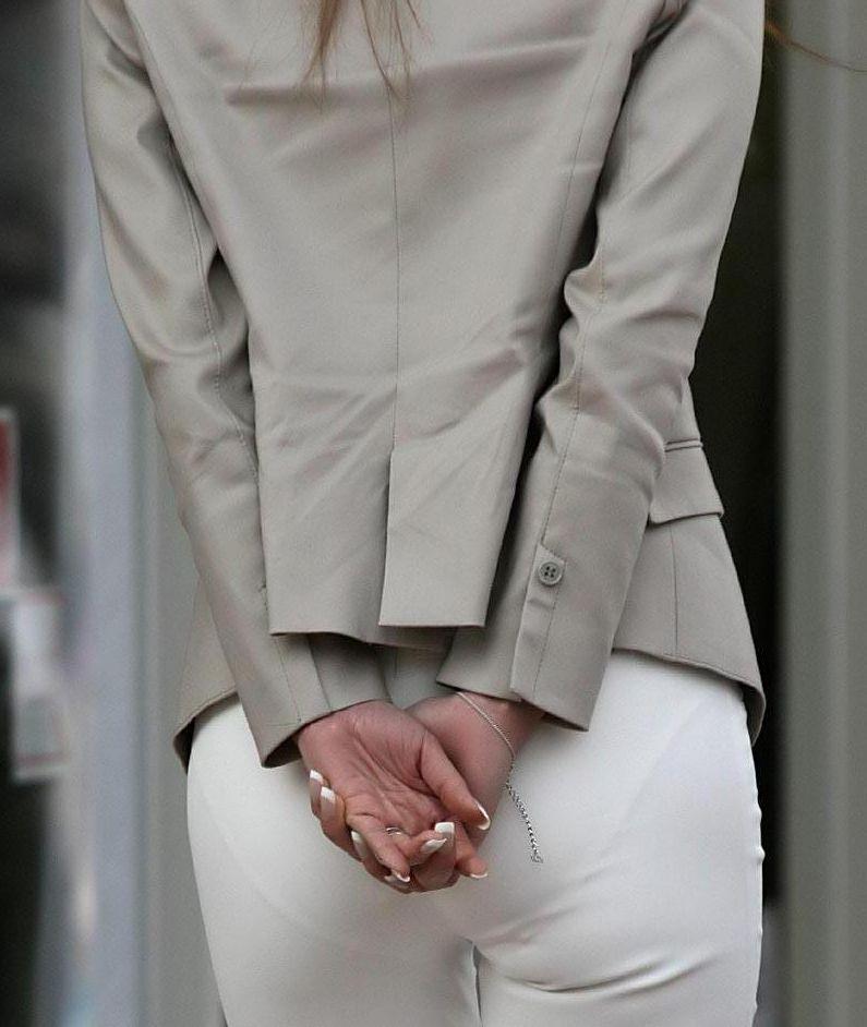 白褲下的內褲痕 092
