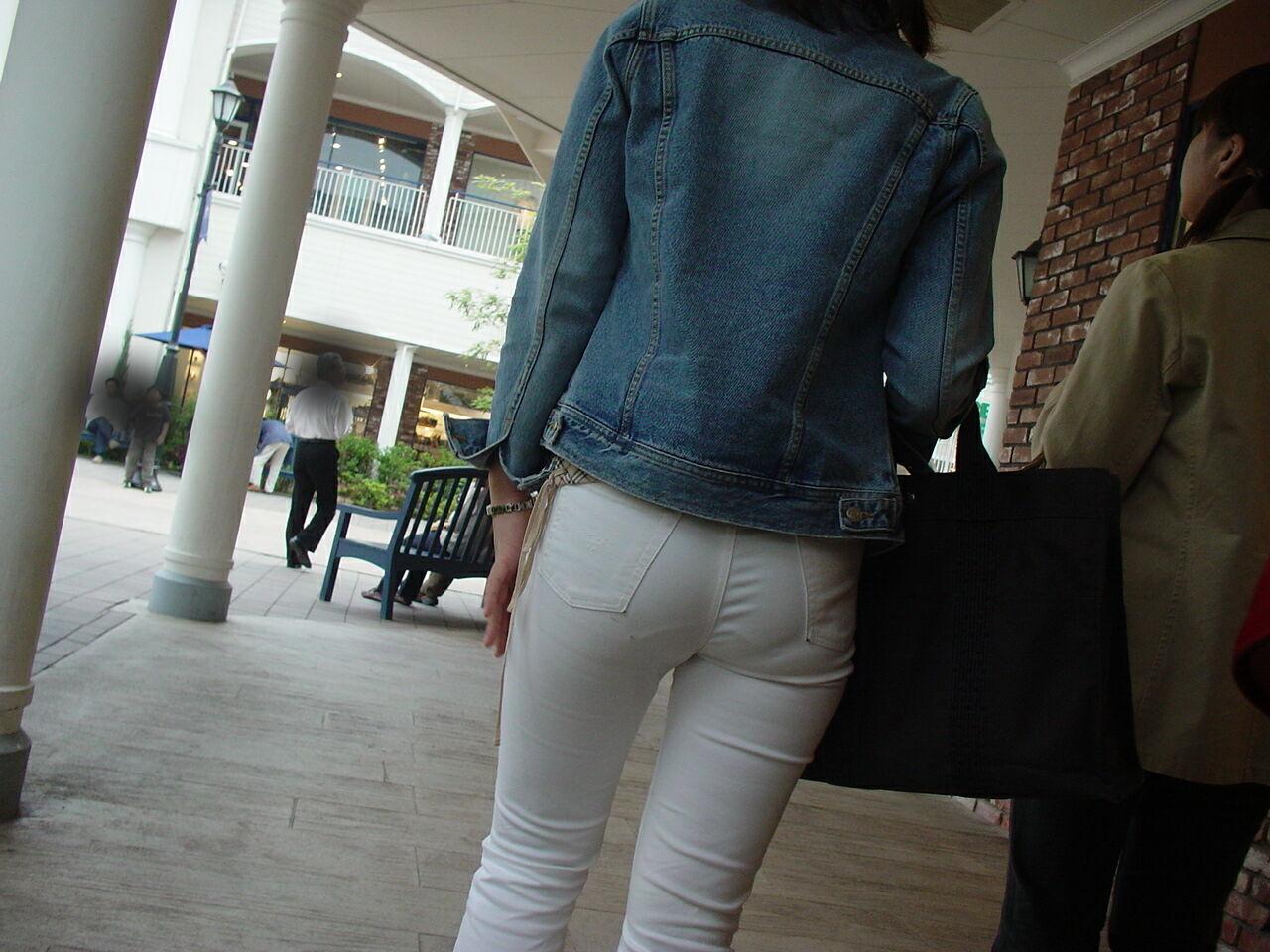 白褲下的內褲痕 093