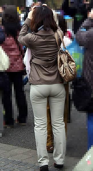 卡其褲內褲痕 46