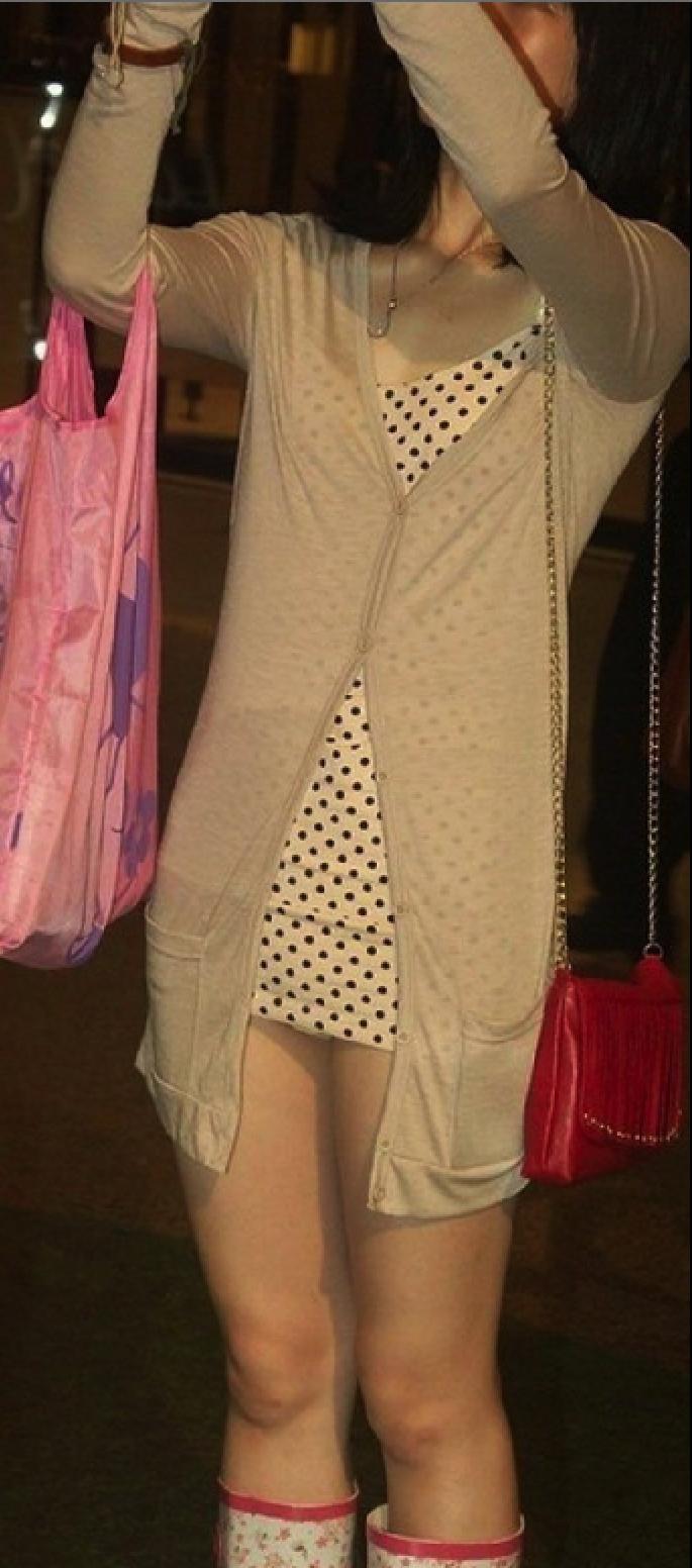 台灣機場超短裙妹