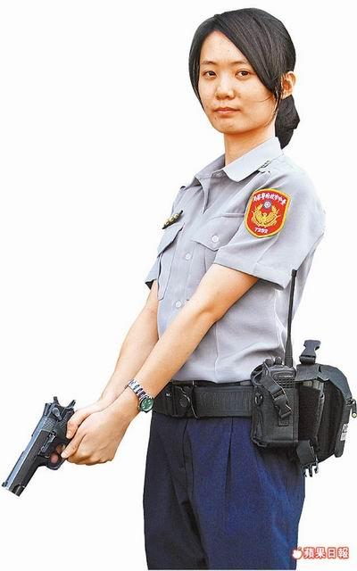 潭子分駐所警員青奕君「女神」警花拍微電影吸睛