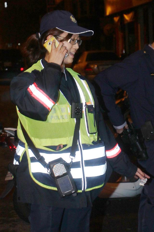中市警二分局育才派出所美女警花蕭婉容眼尖逮現行犯,警察節出生 「天生當警察」!