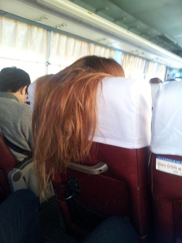 前座女客的長髮