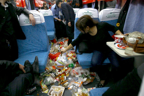一節火車廂 十大袋垃圾