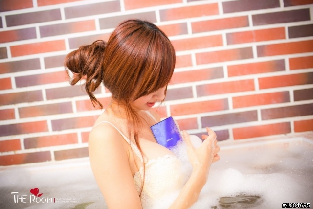 吳名婷 手機 泡澡