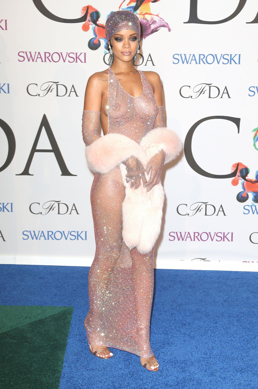 水晶衣 蕾哈娜 Rihanna