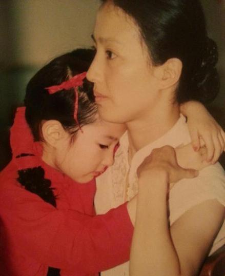 劉亦菲   母親