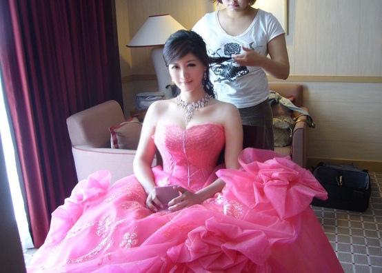 待我衣帶漸寬 做你美麗新娘