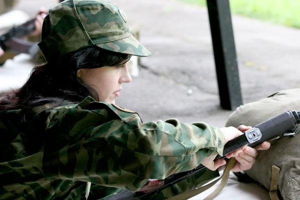 俄羅斯女兵3.jpg