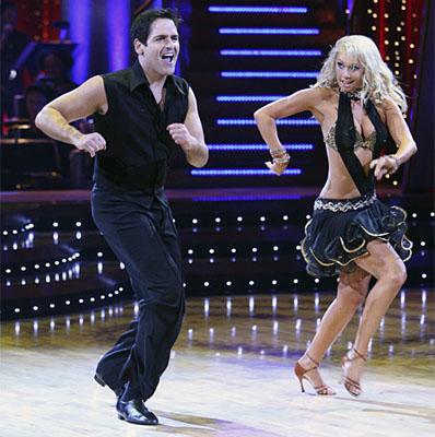 dfe665d265f95f7c99f6b20f32c87e2d_mark cuban dancing with the stars.jpg