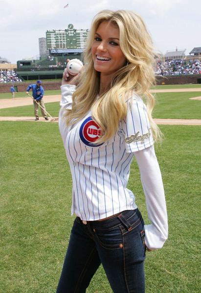 marisa_miller_baseball_3_big.jpg