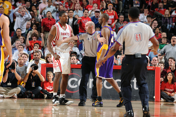 6dc24242194e7064357e66a60cfe53c8-getty-82992280ge010_lakers_rockets.jpg