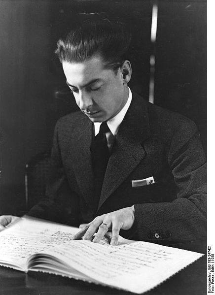 436px-Bundesarchiv_Bild_183-S47421%2C_Herbert_von_Karajan.jpg