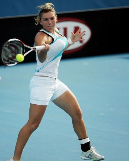 simone_halep_powerful_forehand.jpg