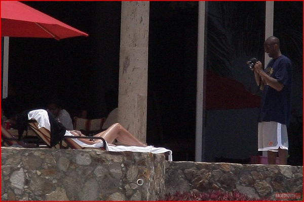 kobe-bryant-and-family-vacation-in-cabo9.jpg