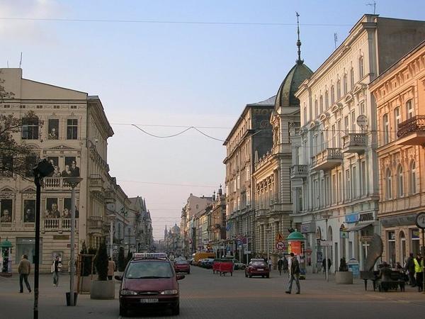 800px-Lodz_Piotrkowska.jpg