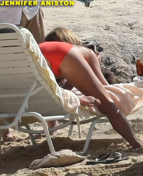 jennifer-aniston-bikini-ass04.jpg